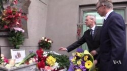 Supporters Memorialize Murdered Russian Reporter of Chechnya Abuse