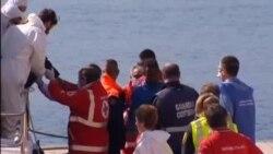 قایق حامل ۷۰۰ پناهجو در مدیترانه واژگون شد