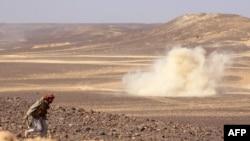 資料照片:也門政府軍和胡塞武裝在北方城市馬里卜周邊地區爆發戰鬥(2021年2月11日)