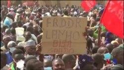 """Manifestation contre la loi des finances jugée """"antisociale"""" au Niger (vidéo)"""