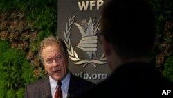 世界粮食计划署执行主任戴维·比斯利在接受美联社的采访。(资料照片)