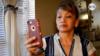 Ana Chávez cuenta las penurias que pasa para sobrevivir, y su pesar porque ya no puede mandar remesas a su país.
