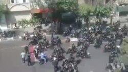 حمله نیروی انتظامی با گاز اشک آور به معترضان در چهارراه اسلامبول(استانبول)