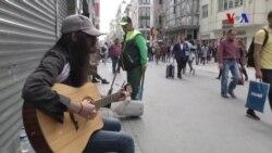 Beyoğlu Sokaklarında Müzik Susmuyor