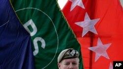 스콧 밀러 미군 아프간 사령관이 12일 카불에서 열린 이임식에서 연설하고 있다.