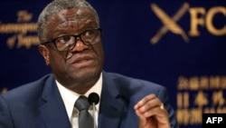 Umunyekongo Denis Denis Mukwege mu kiganiro n'abamenyeshamakuru i Tokyo, kw'itariki 03/10/2019.