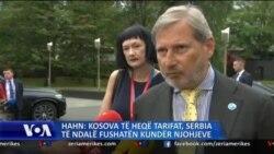 Hahn: Kosova të heqë tarifat; Serbia të ndalë fushatën për tërheqjen e njohjeve