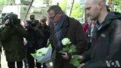 Attentat sur les Champs-Elysées: deuil et colère des syndicats de police (vidéo)