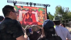 Buddhists Welcome Dalai Lama, in California to Dedicate Temple