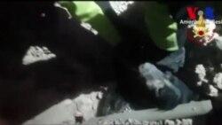 İtalya'da Enkazdan Köpek Kurtarıldı
