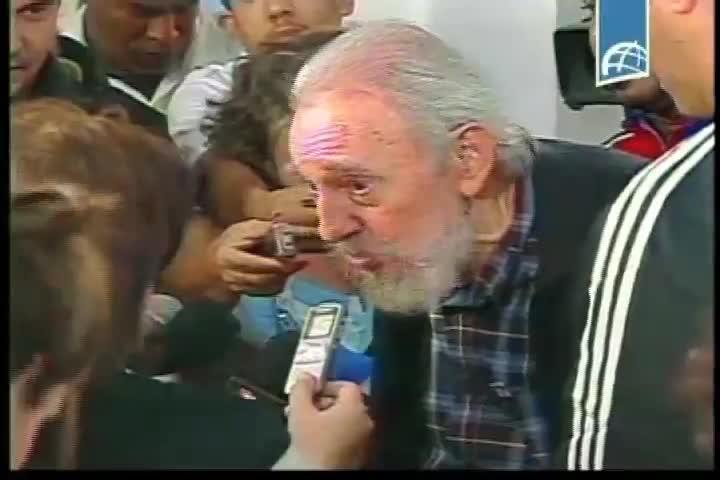 Fidel reaparece votando