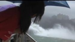 """2013-08-21 美國之音視頻新聞: 熱帶風暴""""潭美""""侵襲台灣"""