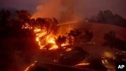 Пожар в округе Сонома