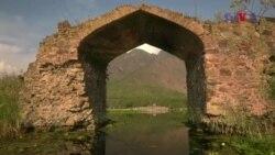 کشمیر کی ڈل جھیل کا تاریخی پل