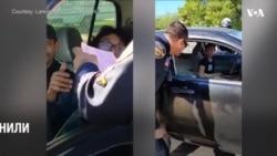 До Дня подяки поліція Техасу замість штрафів роздавали індичок. Відео