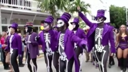 US Voters Tired of Campaign Find Relief in Halloween Spoofs