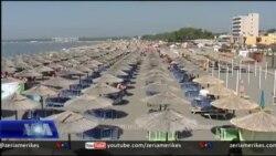 Plazhi i Velipojës tërheq rreth 100 mijë pushues në ditë