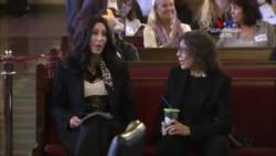 Երգչուհի Շերը պաշտպանում է Բիլլի փղի իրավունքները