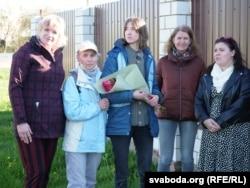 Anastasija Peravoščikava se poslije izlaska iz zatvora sastala s prijateljima i porodicom.