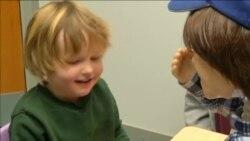 Robot pomaže autističnoj djeci