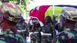 Dernier hommage au chef de l'ex-rébellion au Mozambique (vidéo)