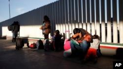 Sve je veći priliv dece imigranata na grancu SAD i Meksika