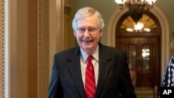 资料照:参议院多数党领袖麦康奈尔(Senate Majority Leader Mitch McConnell, R-KY)