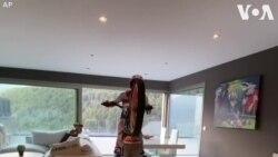 Biểu diễn mô tô tại nhà trong mùa dịch corona