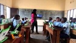 Vous et Nous : les filles se mettent à la science au Rwanda