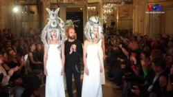 """Paris Moda haftasında """"Arzu Kaprol Show"""""""