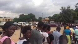 Filas intermináveis para a vacinação da febre amarela em Viana, Luanda