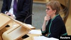 La première ministre écossaise Nicola Sturgeon au Parlement à Édimbourg, le 17 septembre 2020 (Reuters)