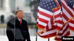 El presidente Donald Trump al final de un discurso pronunciado a sus seguidores en Washington, DC, el 6 de enero de 2020.