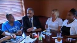 Secretario de Justicia de EE.UU. visita Ferguson