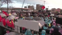 Protesters Show Solidarity Outside Zaman Newspaper