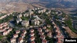 Foto udara permukiman Yahudi Maale Adumim di Tepi Barat, wilayah Palestina yang diduduki Israel (29/6).