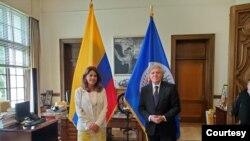 Vicepresidenta y canciller Marta Lucía Ramírez, y Luis Almagro, secretario general de la OEA, durante una reunión en EE:UU., el 9 de julio. [Foto: cortesía de la OEA]
