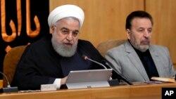 하산 로하니 이란 대통령이 4일 각료회의에서 발언하고 있다.