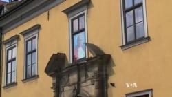 Church Leaders Hope John Paul Sainthood Will Help Stem Secularization in Poland
