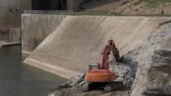 Iraqis Fear Mosul Dam Collapse