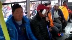 2015-04-26 美國之音視頻新聞:尼泊爾地震已經超過2100人喪生