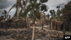Casa destruida, Aldeia da Paz, Macomia, Cabo Delgado