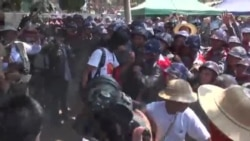 Burma Students Protest Crackdown