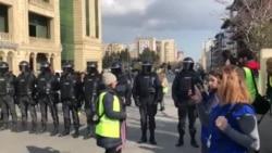 Polis MSK-nın qabağını bağlayıb