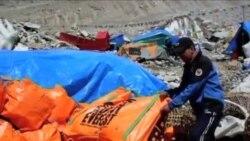 看天下: 珠峰垃圾 尼泊尔艺术家变废为宝