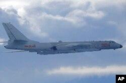 资料照:中国空军轰-6轰炸机