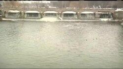 Заощадження коштів призвело до забруднення питної води у Мічигані. Відео