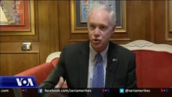 Sen. Johnson: T'u japim hapësirë Kosovës dhe Serbisë të arrijnë marrëveshje