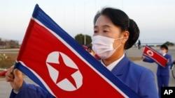کره شمالی از همان آغاز مرزهای خود را بست و تجارت با پکن را متوقف کرد
