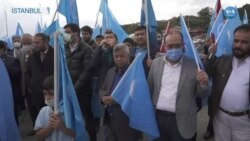 Uygurlar Çin'in 72'nci Kuruluş Yıldönümünü Protesto Etti